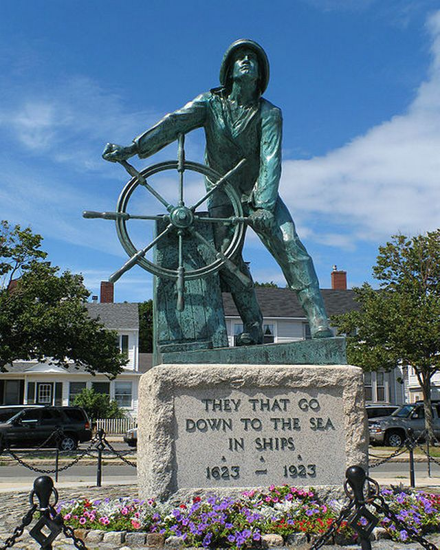 Fisherman's_Memorial_in_Gloucester_(Massachusetts)